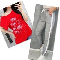 Костюм красная футболка SIZE Plus женский образ и цветы с брюками серыми 01IN