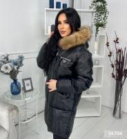 Удлиненная куртка под кожу с натуральным мехом черная T124