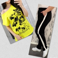 Костюм желтая футболка SIZE Plus FLWERS с брюками черными IN