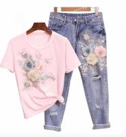 Костюм розовая футболка и джинсы цветы DIM