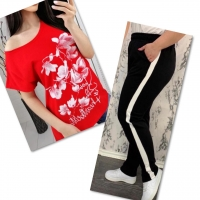 Костюм красная футболка SIZE Plus FLWERS с брюками черными IN