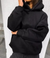 Толстовка с карманом и капюшоном черная ZI