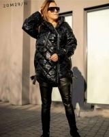 Глянцевая стеганная куртка Size Plus черная M29