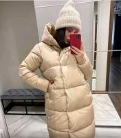 Дутая куртка удлиненная с капюшоном светло-бежевая T124
