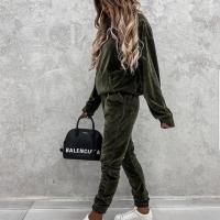 Велюровый костюм карман кенгуру хаки N116