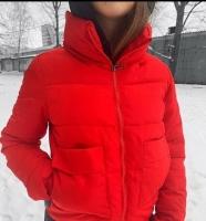 Куртка с крупными карманами красная ZI
