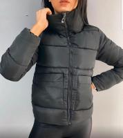 Куртка с крупными карманами черная ZI