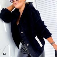 Жакет альпака с капюшоном черный M118